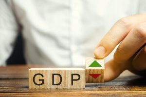 Fed Predicts Low Interest Rates and GDP Bump